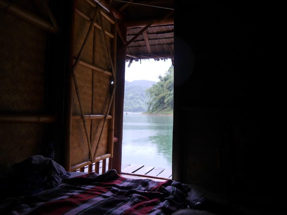 Khao Sok Holzbungalow auf See