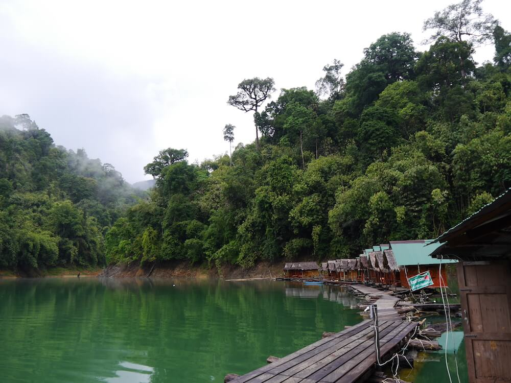 Khao Sok Hütte auf dem See