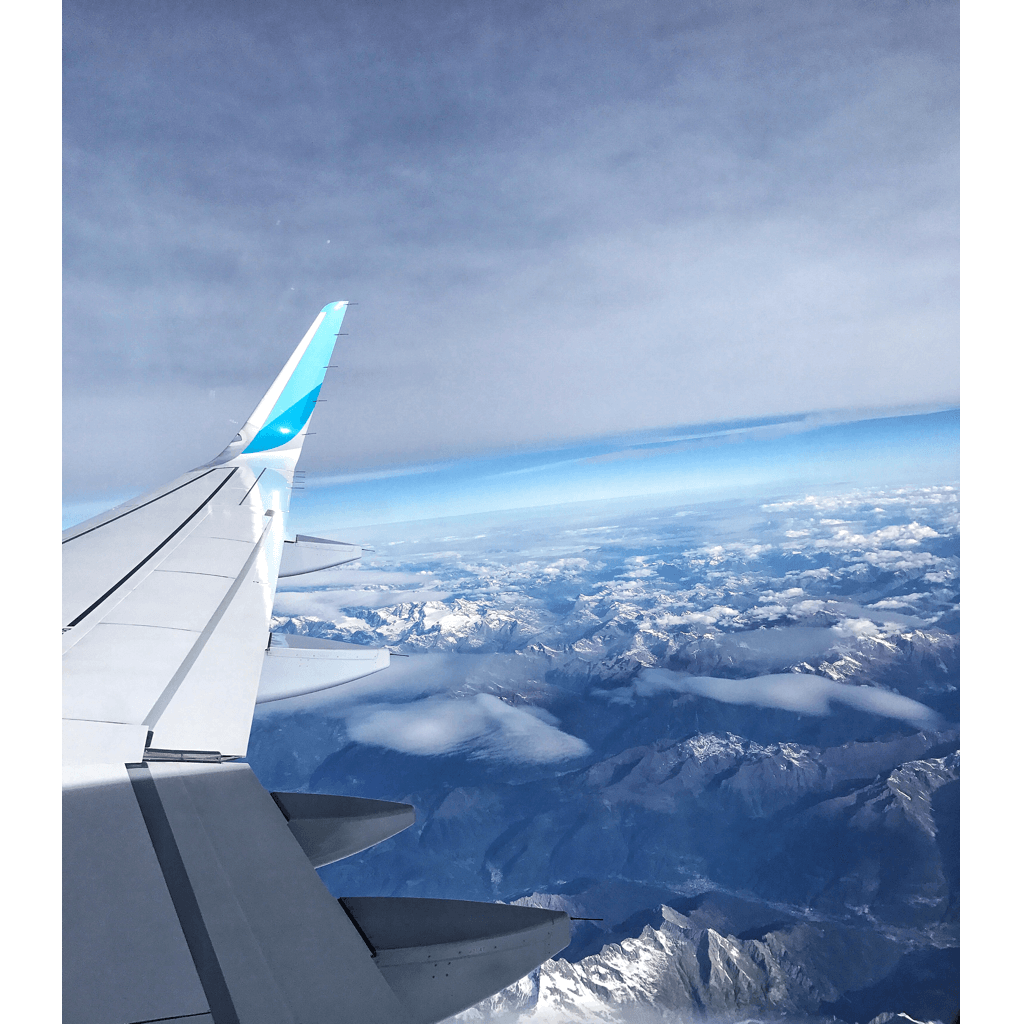 Flugzeug Alpen