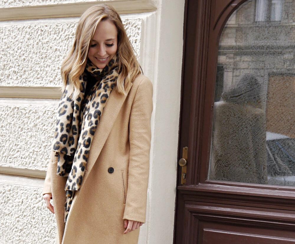 Mantel und Schal