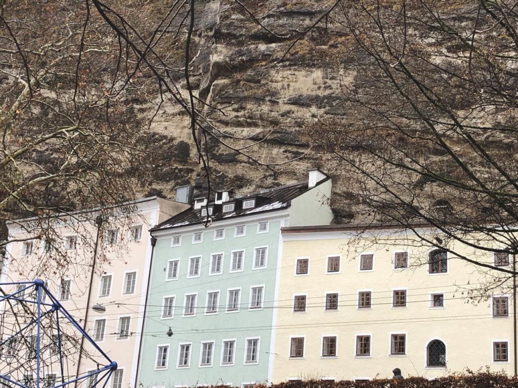 Häuser im Felsen Salzburg