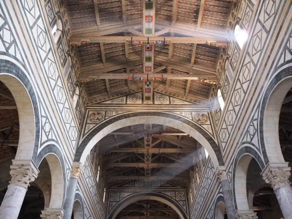Der Innenraum der San Miniato al Monte