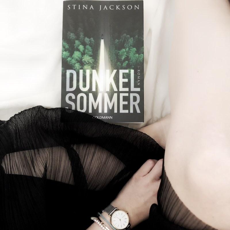 Dunkelsommer Stina Jackson
